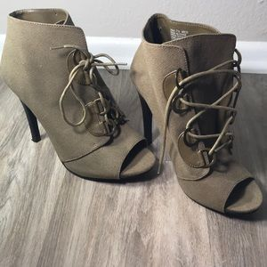 Elle army green lace up heels
